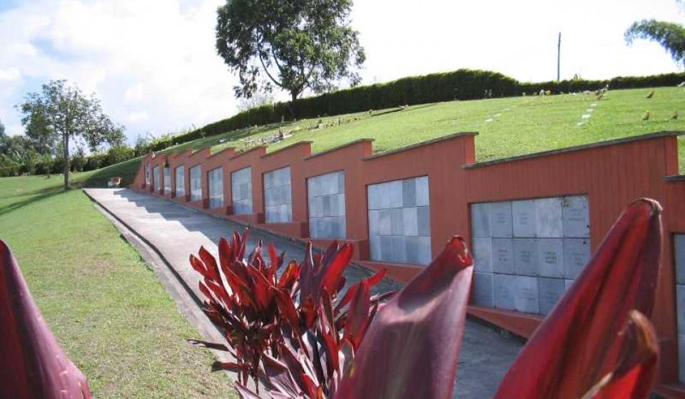Osarios en bloque cementerio La Ofrenda